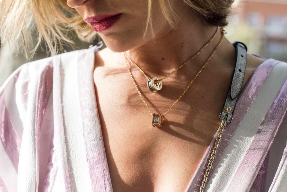 Bijoux et colliers fantaisies en or
