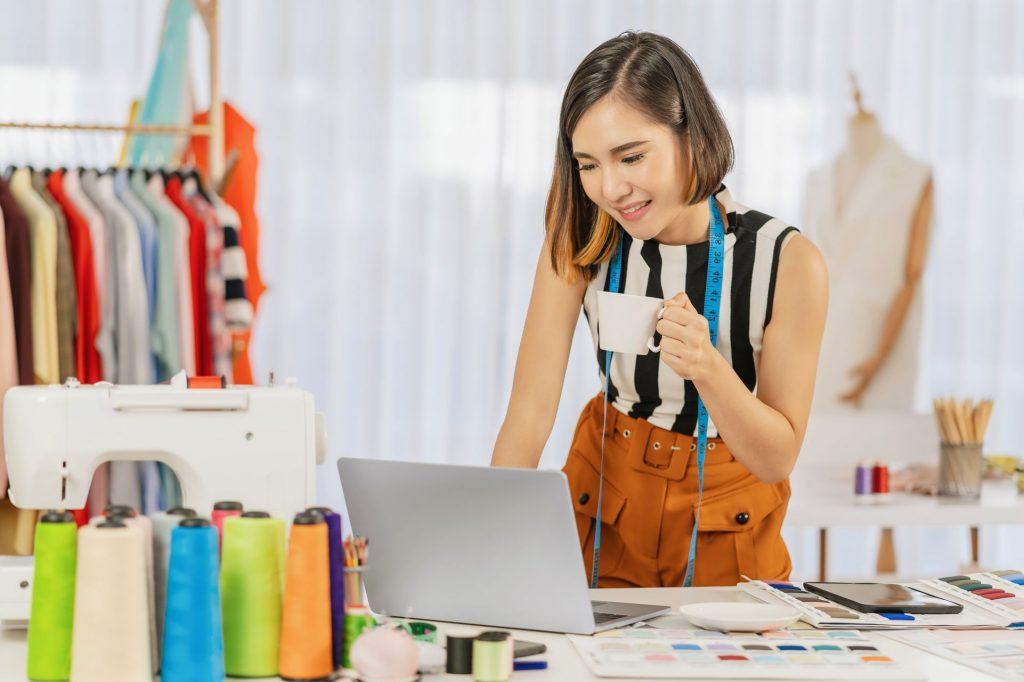 Connaître et développer les qualités nécessaires à un styliste indépendant