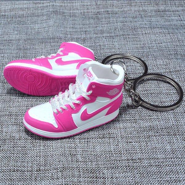 Les mini sneakers et porte-clefs, le cadeau parfait pour les ...