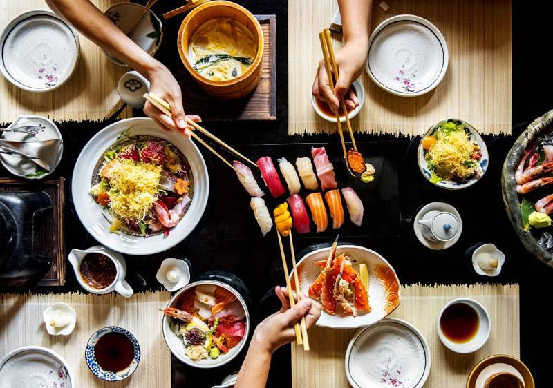 préparation du riz à sushis