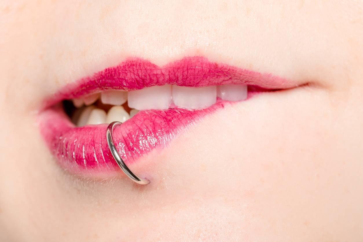piercing labret lèvres