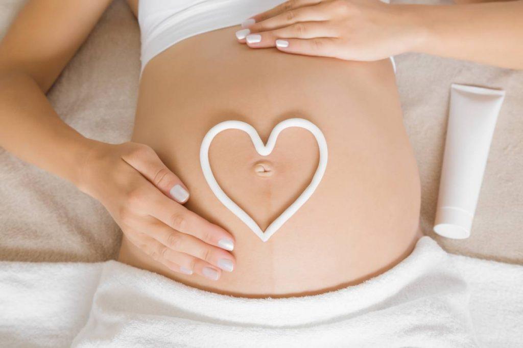 6 produits cosmétiques adaptés aux femmes enceintes