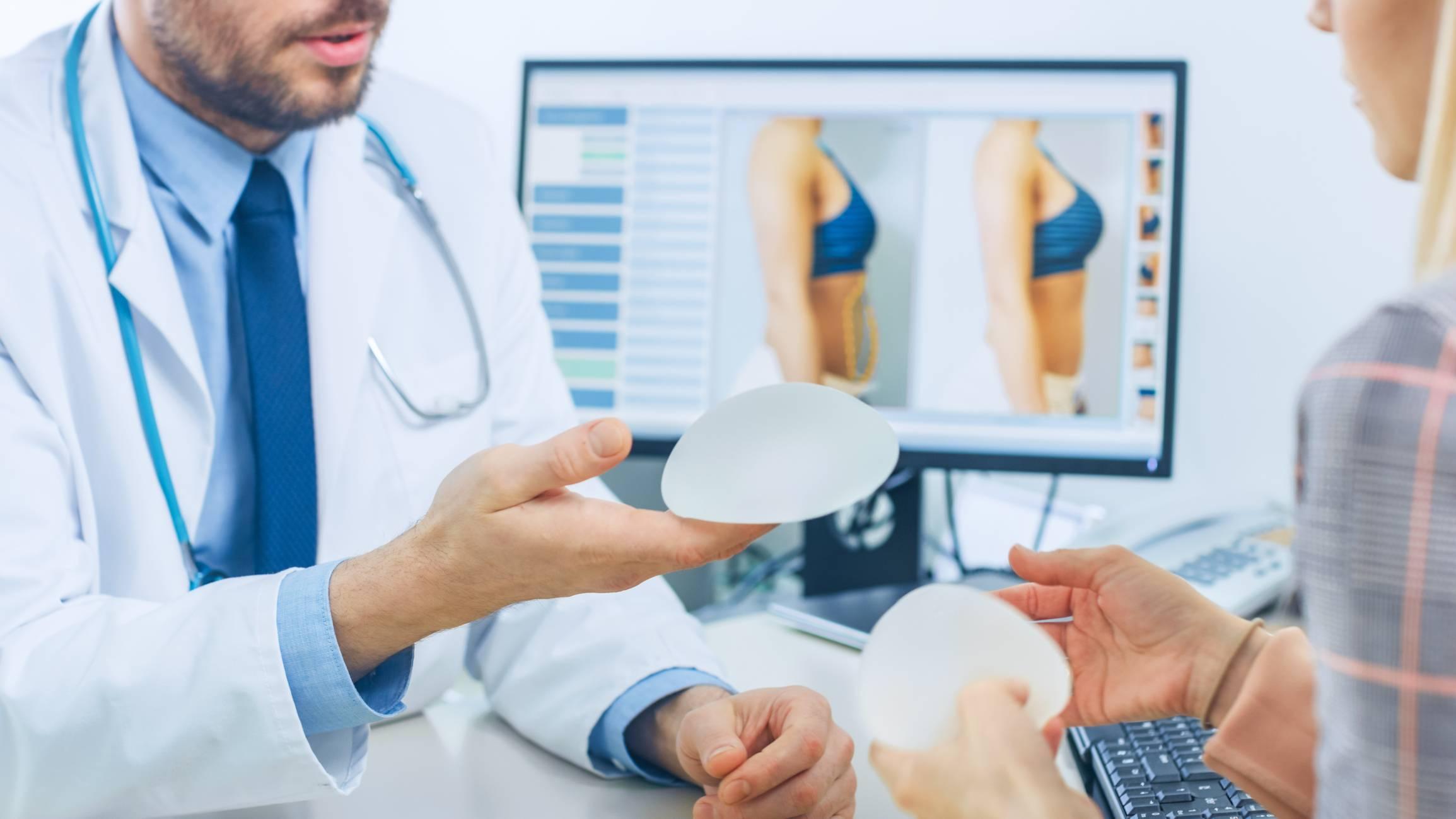 Consultation avant chirurgie mammaire